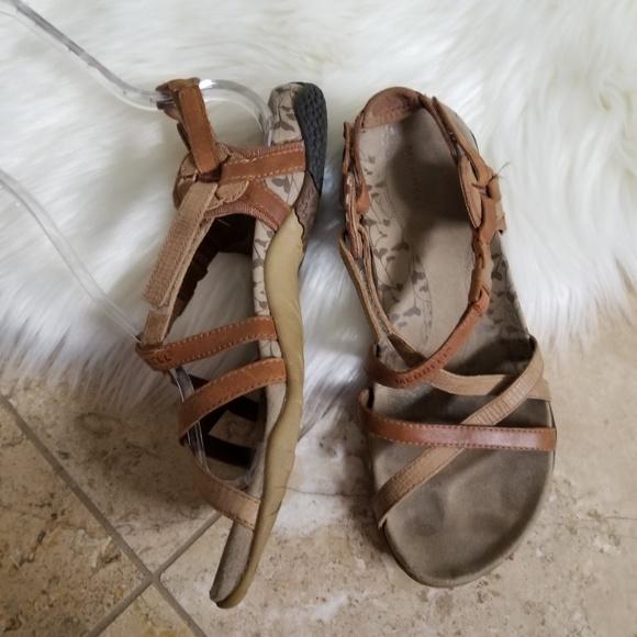 69eda2301e46 Merrell Women s Leather San Remo Tan Sandals Sz 7.  M 5c7defea4ab633d3440c04ce